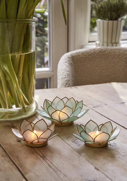 Des bougeoirs lotus