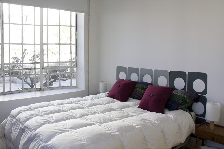 Une t te de lit pop - Ou mettre la tete de lit pour bien dormir ...