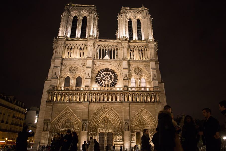 Notre-Dame de Paris: Ô monument aimé