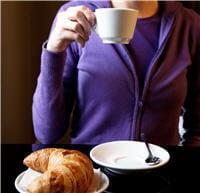 au lait, allongé, serré, frappé, avec ou sans sucre. avec le café, il y en a