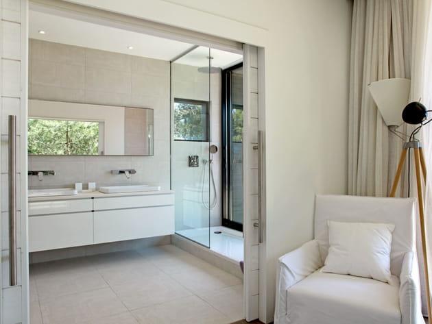 Salle de bains en transparence