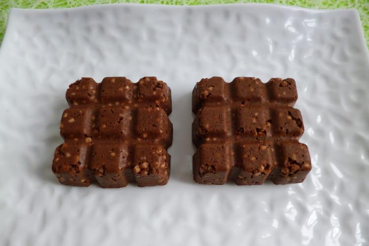Tablettes crues chocolatées aux céréales hyperprotéinées