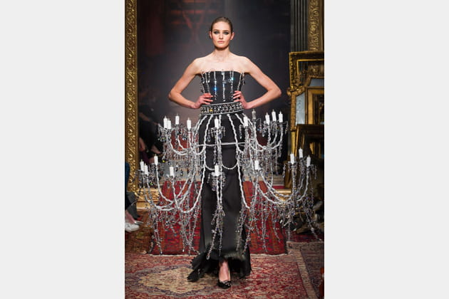 La robe chandelier du défilé Moschino