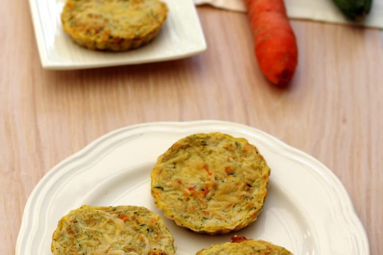 Petites quiches sans pâte aux courgettes et carottes râpées
