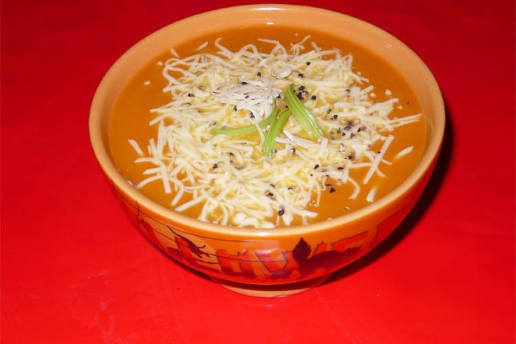 Soupe au potiron, beurre d'escargot et gruyère