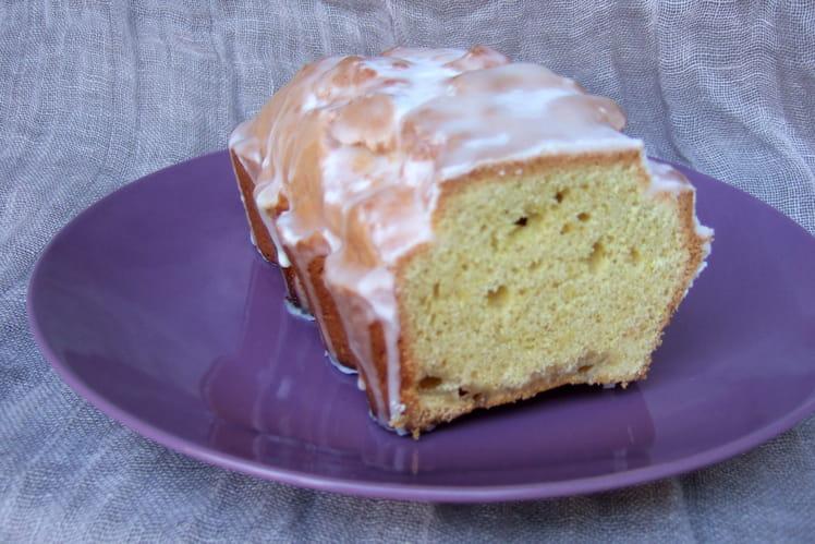 Cake au citron et glaçage au sucre glace