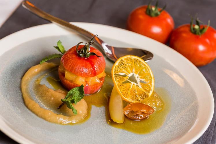 Tomate farcie de pomme et fruits confits aux épices douces