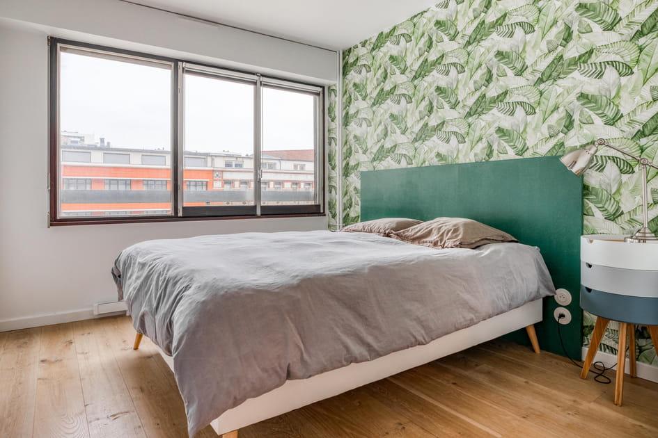 Une chambre d'adulte en vert exotique