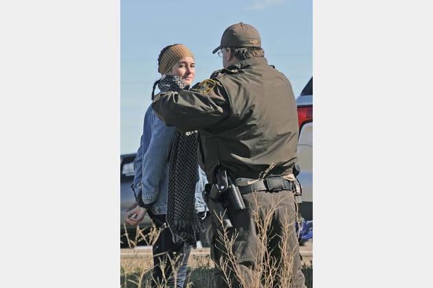 Shailene Woodley se fait arrêter (par la police du style?)