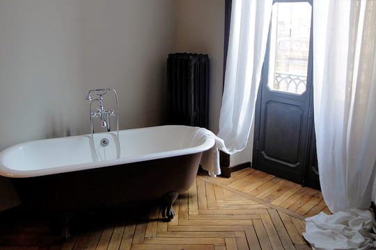 baignoire l 39 ancienne. Black Bedroom Furniture Sets. Home Design Ideas