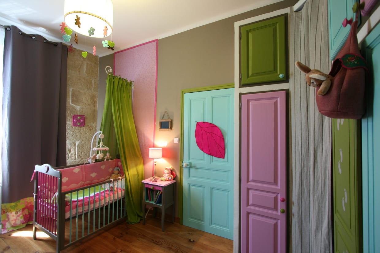Une chambre d 39 enfant qui m lange les genres - Chambre couleur lilas ...