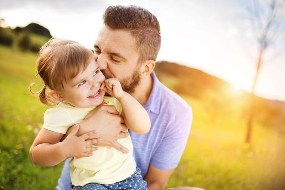 Les pères s'inspirent plus de leur mère que de leur père pour élever leurs enfants