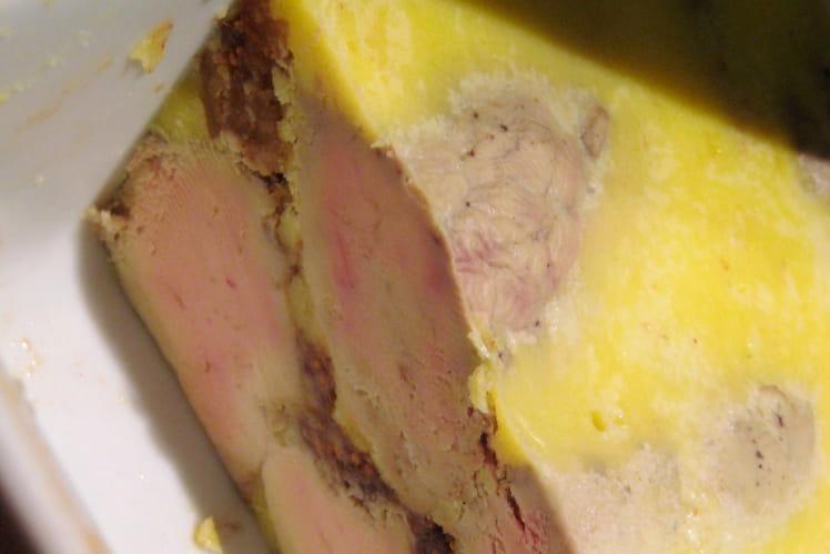 Foie gras mi-cuit au porto et farci aux figues