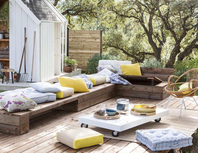 des coussins ext rieurs jaunes et gris. Black Bedroom Furniture Sets. Home Design Ideas