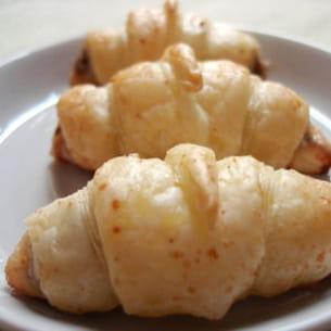 petits croissants aux anchoix