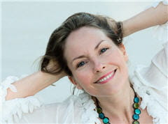 les symptômes s'estompent souvent à la ménopause.