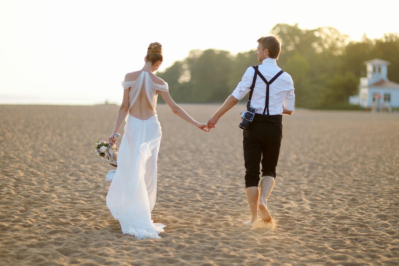 Mariage à la plage: comment l'organiser, où, tenue, déco?