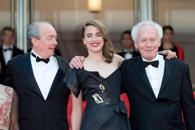 Adele Haenel, bien entourée, entre Jean-Pierre et Luc Dardenne