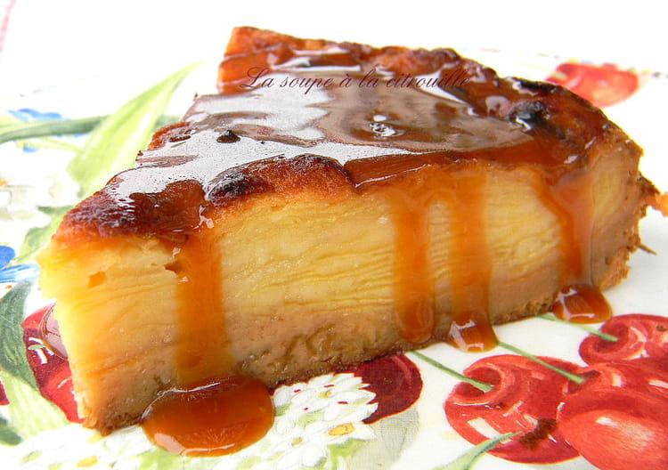 recette de gâteau invisible aux pommes et crème caramel au beurre