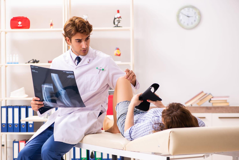 Scanner du genou: pourquoi, comment ça se passe, que voit-on?