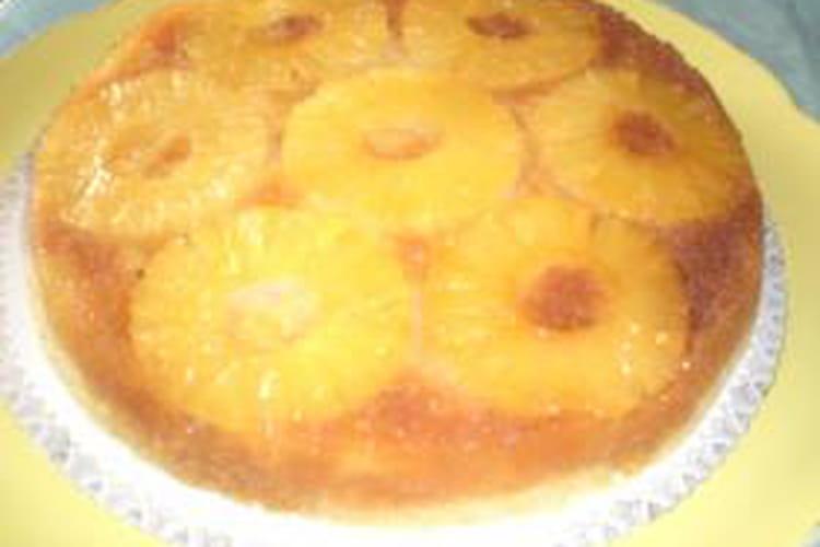 Gâteau à l'ananas au caramel au micro -ondes