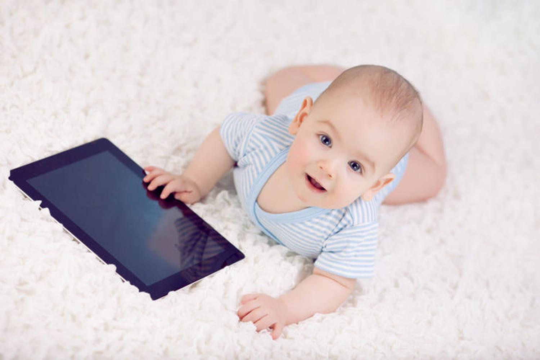Les tablettes brouillent les capacités d'adaptation des tout-petits