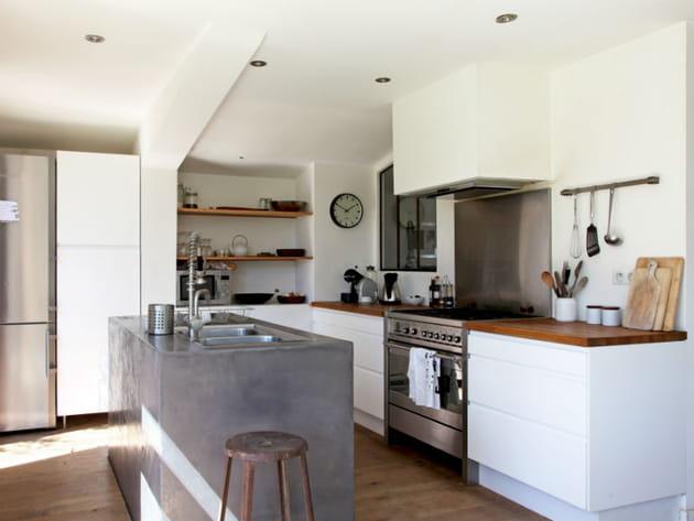 un mariage os pour une cuisine de caract re. Black Bedroom Furniture Sets. Home Design Ideas