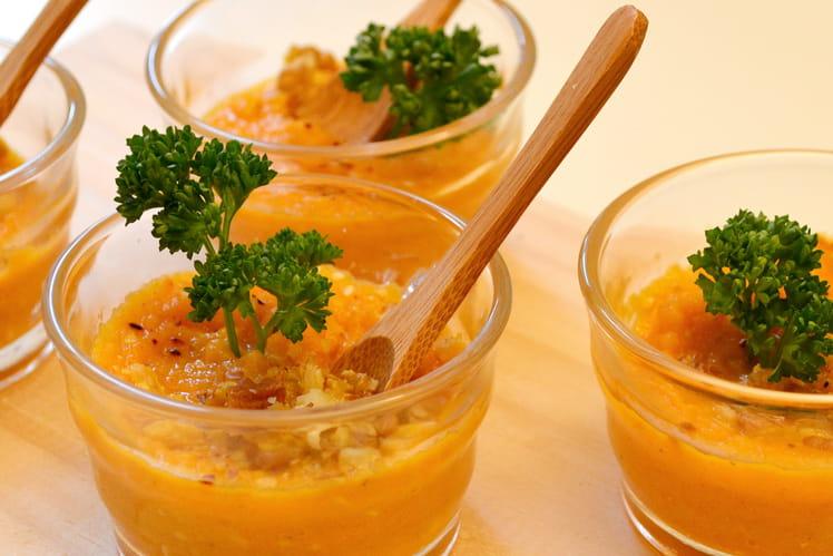 Verrines de mousseline de carottes au miel et aux noix