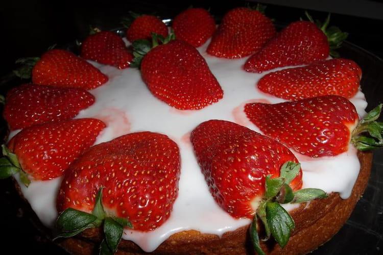Gâteau portugais aux fraises pour fête des mères