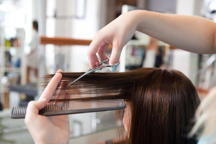 Mom hair : un concept à s'arracher les cheveux