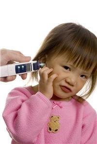 les thermomètres auriculaires ne sont pas recommandés chez les bébés.