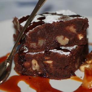 brownie aux pommes et noix caramélisées