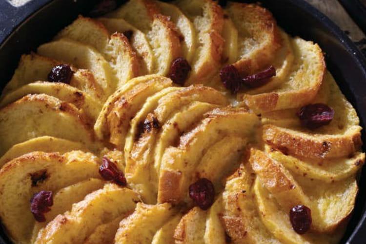Pain perdu façon tarte aux pommes et cranberries