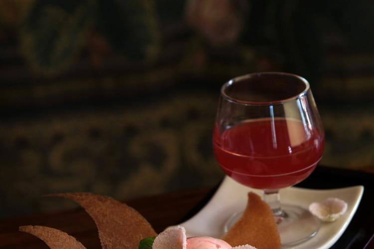 Glace à la Rose et Eau de Fraise aromatisée aux zestes d'oranges et vanille Bourbon