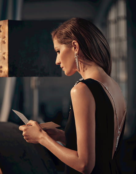 Gisèle Bündchen en robe noire