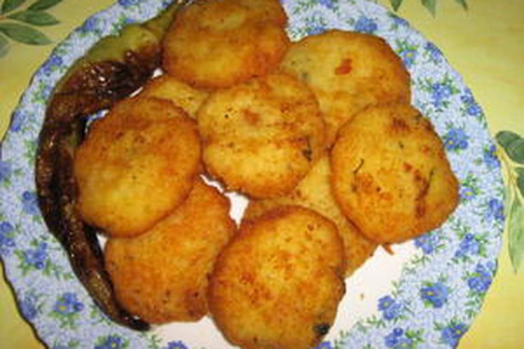 Beignets de pomme de terre à l'ail et aux herbes