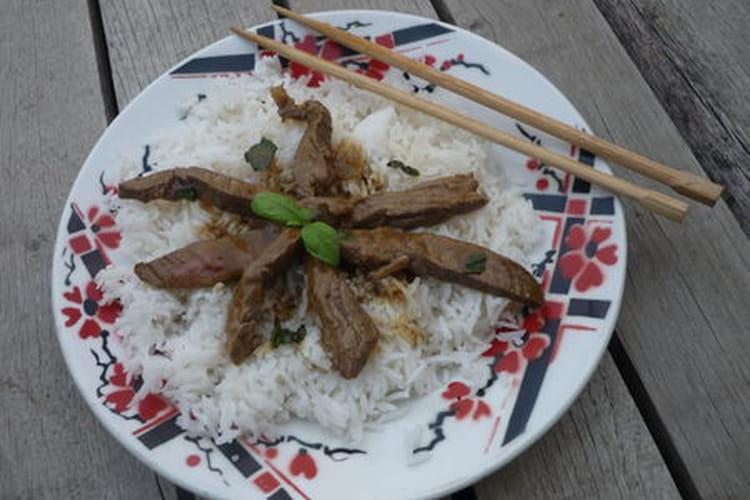Boeuf thaï au basilic