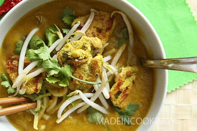 Soupe de butternut, coco et au curry vert