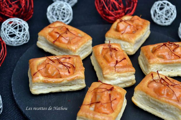 Minis bouchées feuilletées aux saint-jacques, crème tomatée au paprika et au cognac