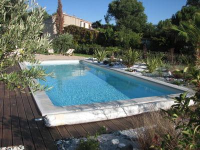 La piscine priv e pour qui et pourquoi for Piscine miroir cout