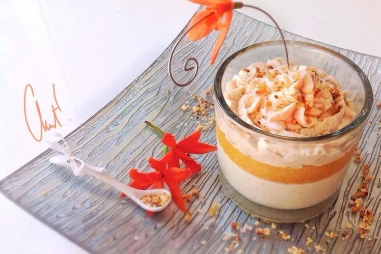 Verrine chocolat blanc, gingembre, coulis mangue passion et chantilly aux marrons