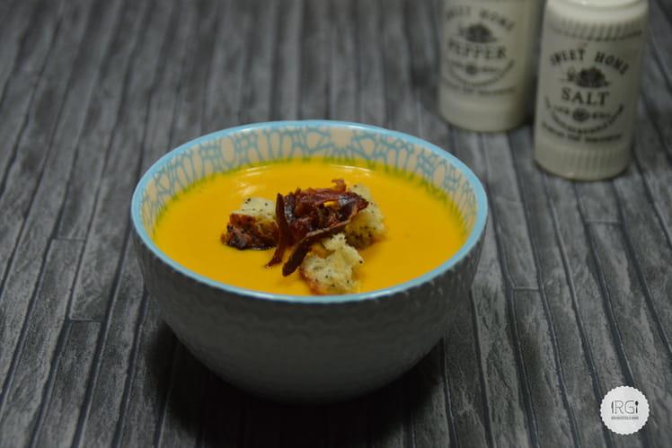 Velouté potimarron-carottes et chips de jambon ibérique