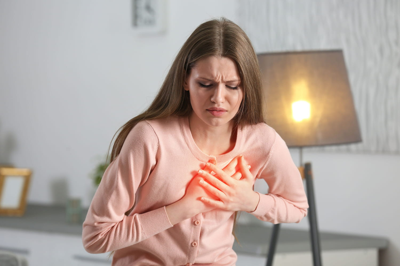 Épanchement péricardique: symptômes, causes, traitements