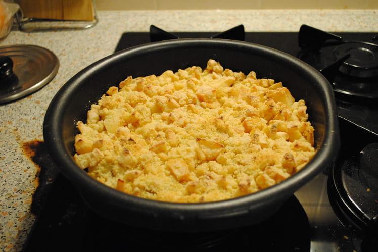 Poulet au curry et aux pommes en crumble