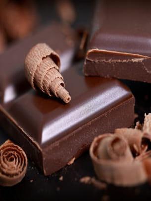 4 petits carrés de chocolat ne dépassent pas 100 kcal.