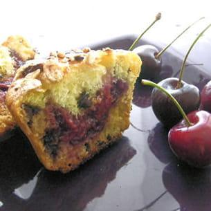 muffins pistache et chocolat, coeur de cerises