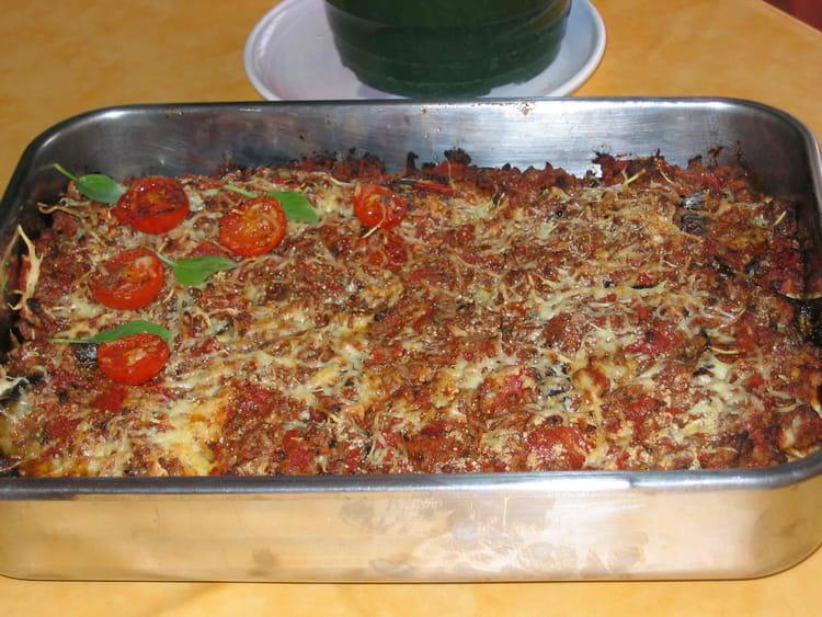Recette de moussaka d 39 olivia la recette facile for Plat unique convivial entre amis