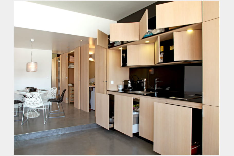 mur de rangements. Black Bedroom Furniture Sets. Home Design Ideas