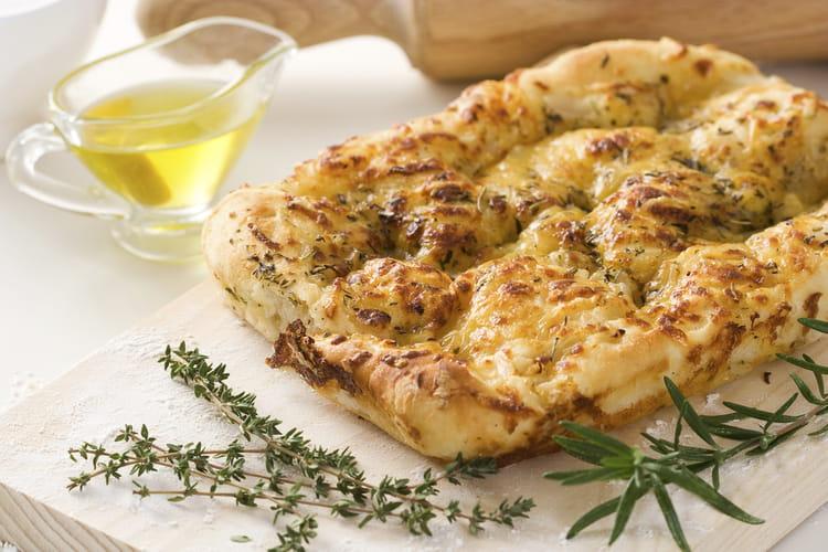 Focaccia farcie aux pommes de terre et à la mozzarella