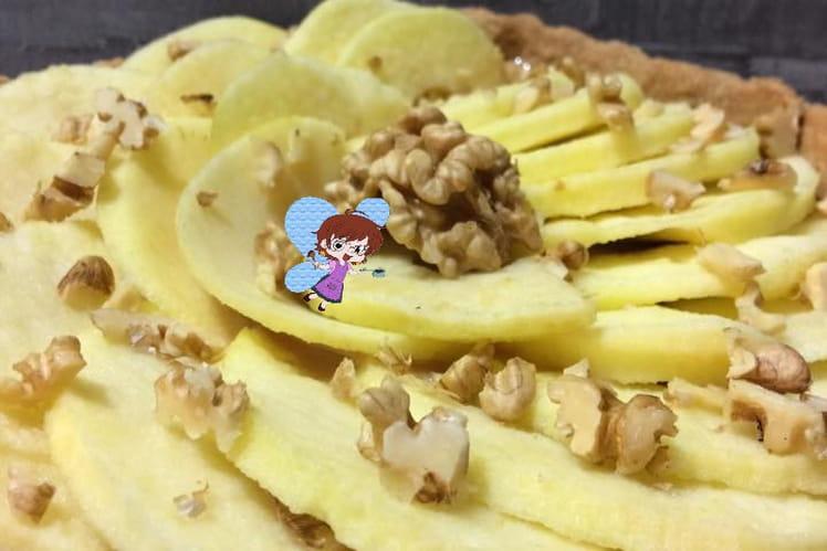 Tarte aux pommes, noix et à la confiture de lait
